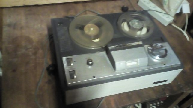 Magnetofon lampowy 120 zetka