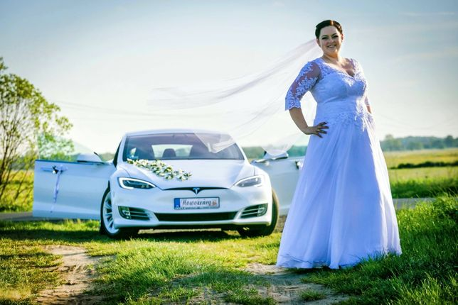 Biała TESLA Model S | Wyjątkowy SAMOCHÓD DO ŚLUBU