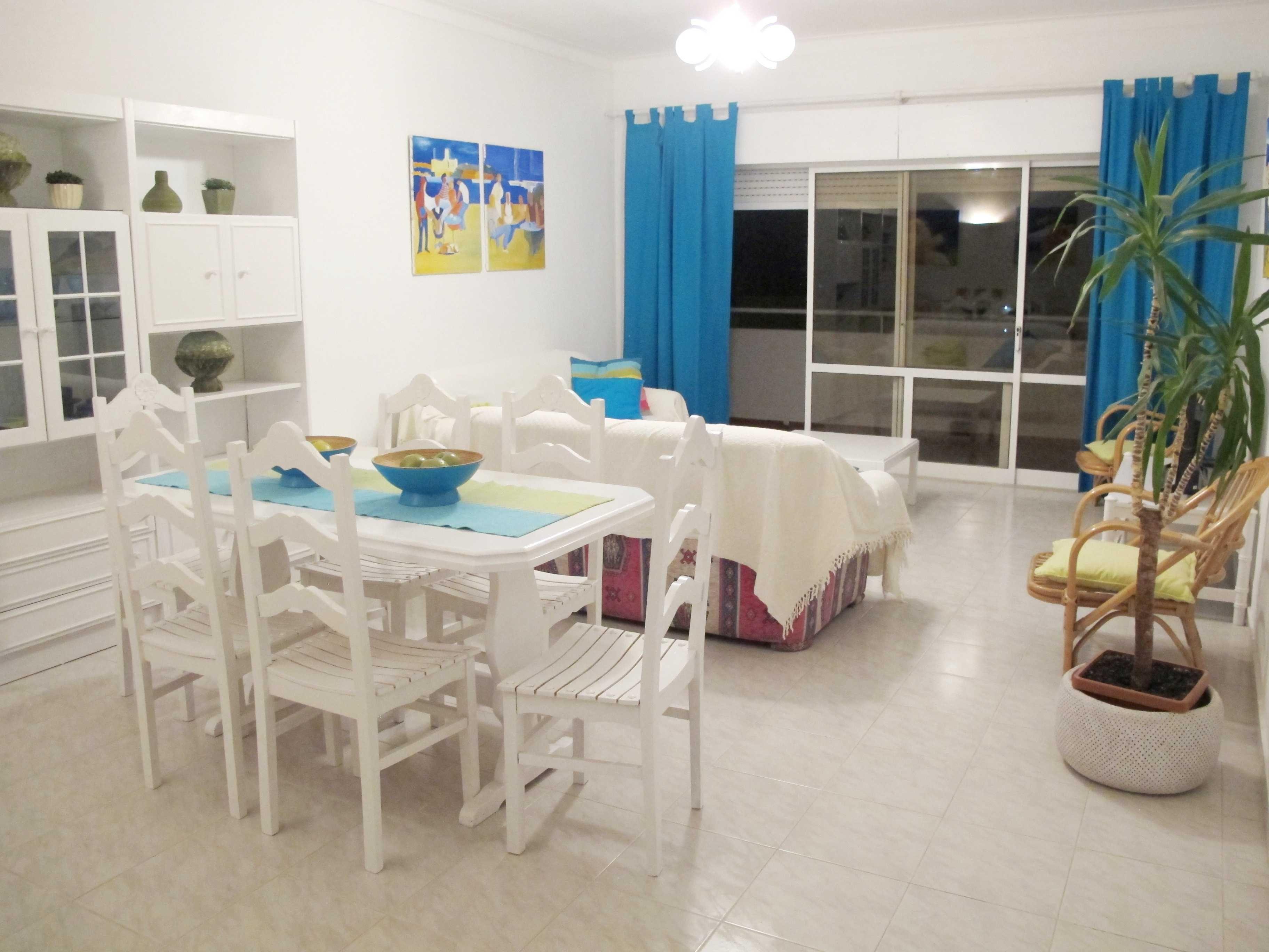 Apartamento T1, férias,  em portimão, alvôr, com piscina e vista mar