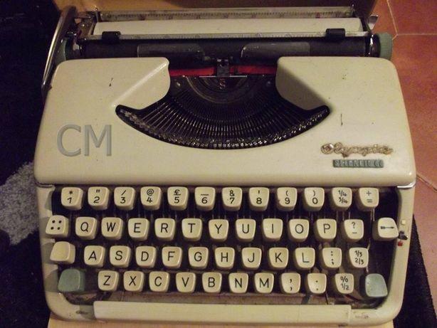 Máquina de escrever olympia splendid 66