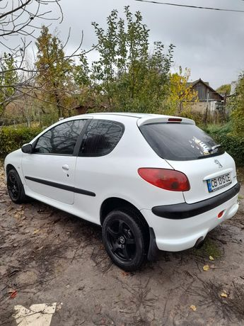Peugeot Пежо 206 1.1