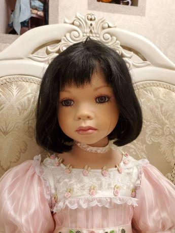 Коллекционная фарфоровая кукла Киана