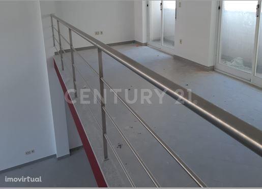 Loja, 117 m², Castelo Branco