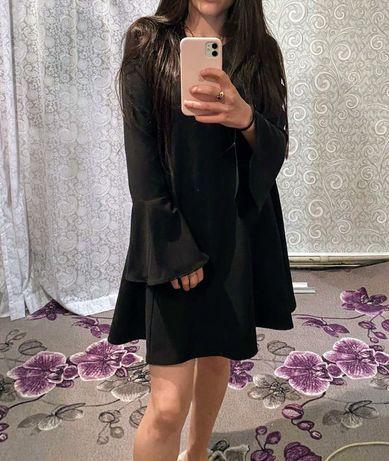 Чёрное платье. Платье с широкими рукавами