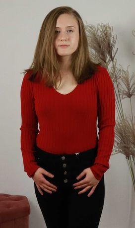 bluzka / sweterek, w serek, dekolt V, prążkowana