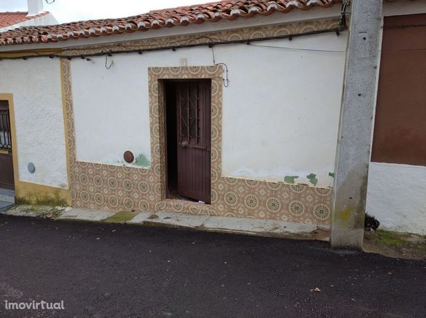 Moradia em Moura, Santo Aleixo da Restauração
