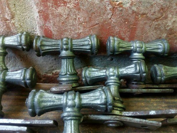 Klamki żeliwne zdobione 21 sztuk