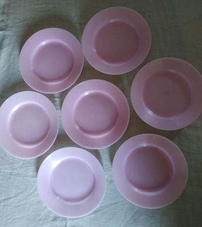Пластмассовые тарелки для вторых блюд времён СССР. Цена за ВСЕ.