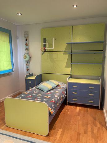 Mobilia de quarto de criança completa 2 conjuntos.