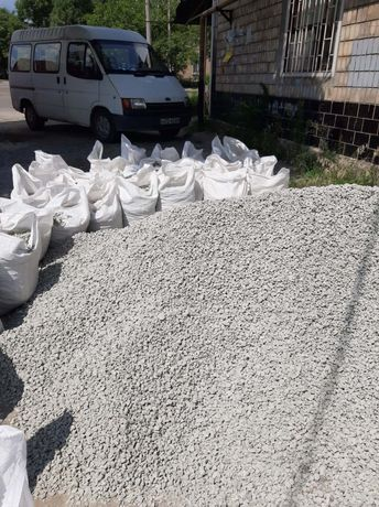 Щебень в мешках , песок по 50кг, цемент