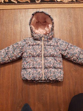 Курточка деми на девочку  H'M 86 размер