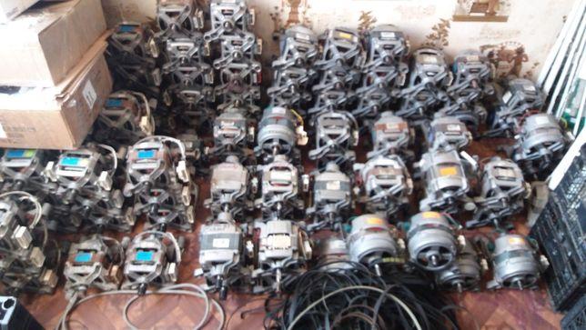 Двигатель мотор стиральной машины Индезит(indesit) и другие