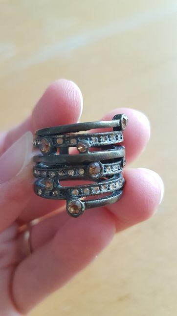 Piękny stary pierścionek