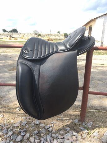 Седло для верховой езды