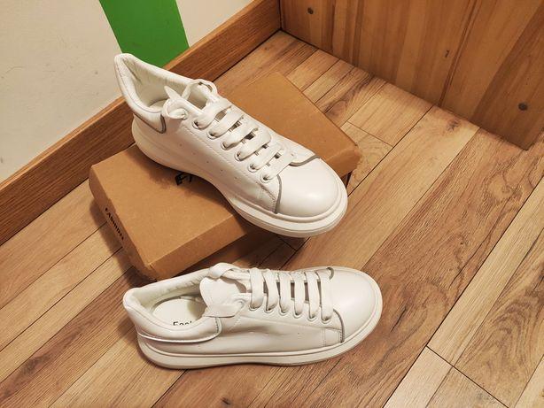Білі кроси / кросівки / кеди / кріпери на шнурівці