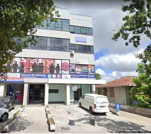 Escritório Centro da Maia 2 gabinetes + 1 sala de reuniões