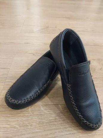 Туфли для мальчика первоклашки 30 р