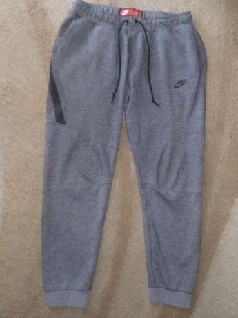 Nike spodnie dresowe rozmiar L