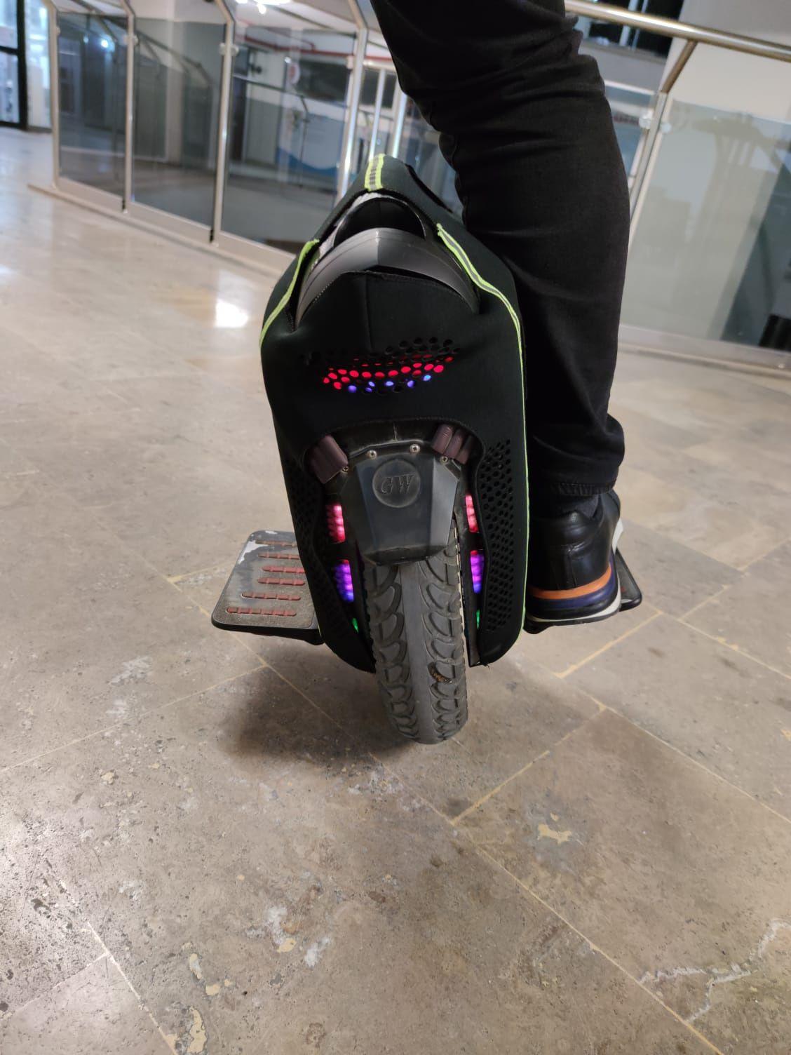 Nauka jazdy na monocyklu EUC wynajem wypożyczalnia monocykli monocykl