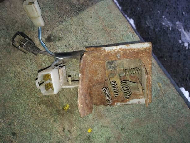 Реостат, резистор печки Мазда 626 / Мazda 626