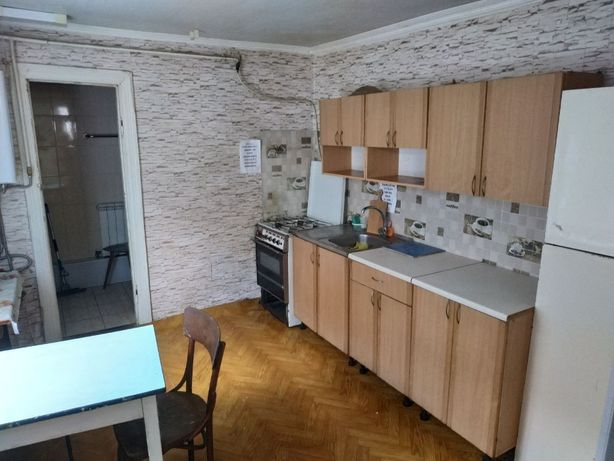Дом для стротелей 80 кв.м. ,10 спальных мест,район развилки
