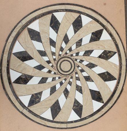 Панно/Розетка на підлогу з плитки