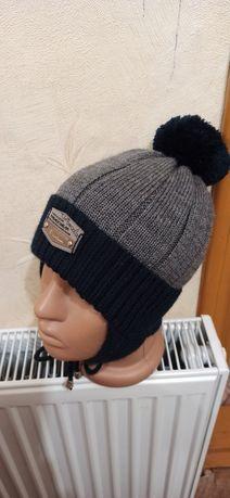 Продам детскую зимнюю шапулю
