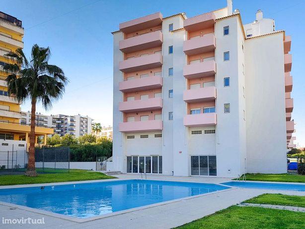 Apartamento T2 condomínio privado - Piscina e Ténis
