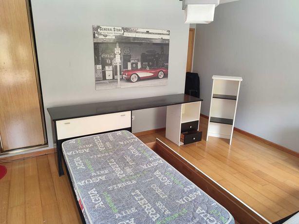CAMA SOLTEIRO/SECRETÁRIA + colchão e estrado + estante