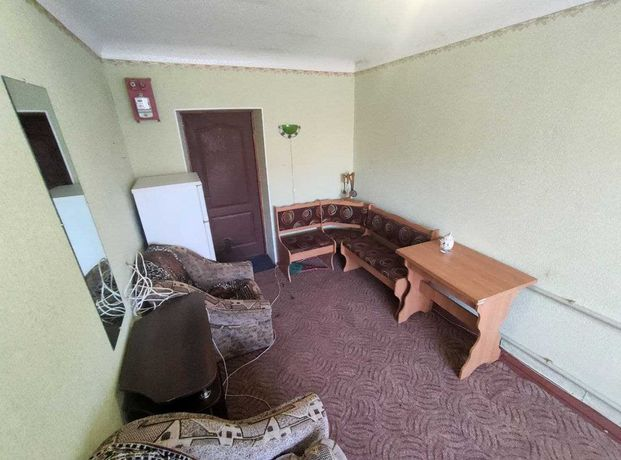 В продаже, комната в общежитии р-н Петропавловская + ПОДВАЛ, кладовка!