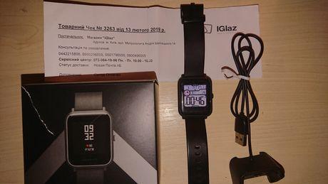 СРОЧНО продаю часы Amazfit bip (a1608)