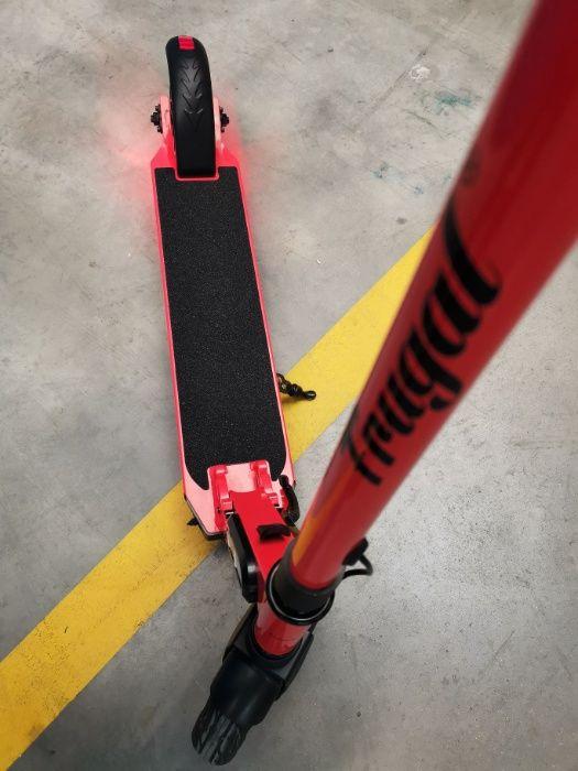 Comfy+ czerwona FRUGAL 25 km/h elektryczna hulajnoga e-hulajnoga #168