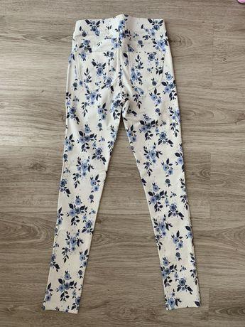 H&M spodnie joggery rurki białe w granatowe kwiaty rozmiar 140 nowe
