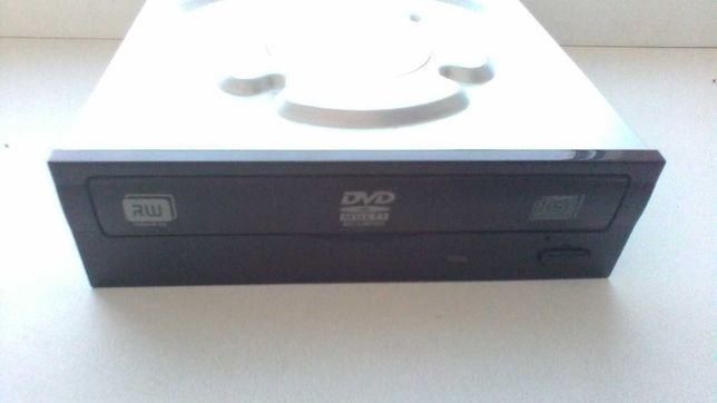 DVD привод.     .