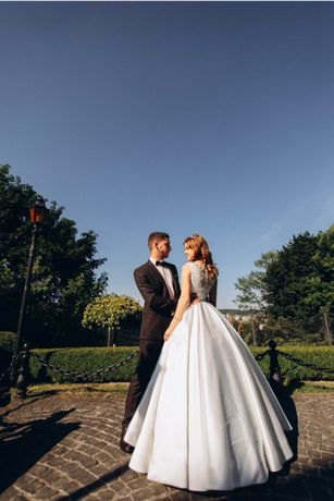 Продам весільну сукню SELENA