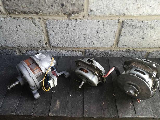 Trzy silniki elektryczne