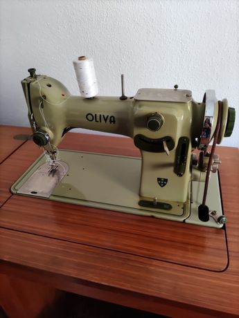 Máquina CL50 Oliva com móvel