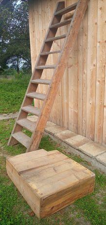 Stare schody drewniane