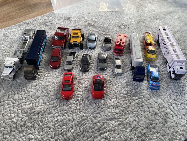 Duży zestaw samochodów