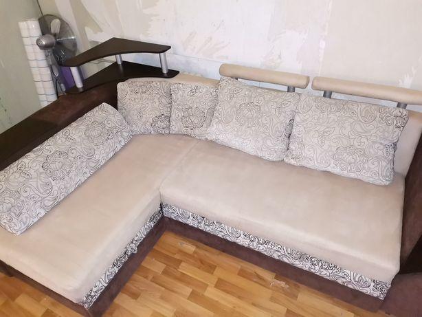 Продам угловой диван, срочно