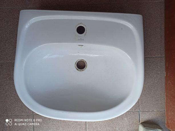 Umywalka łazienkowa Cersanit używana
