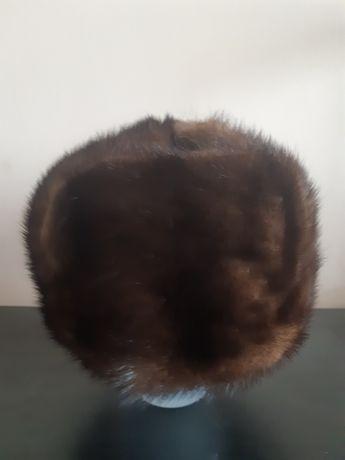 Хутрова норкова шапка.
