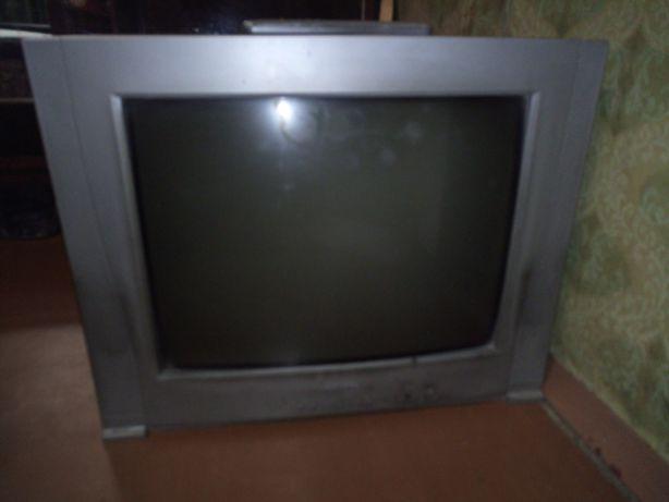 Продам телевизор Saturn б/у в рабочем состоянии
