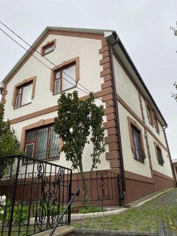 Продається будинок на старому місті