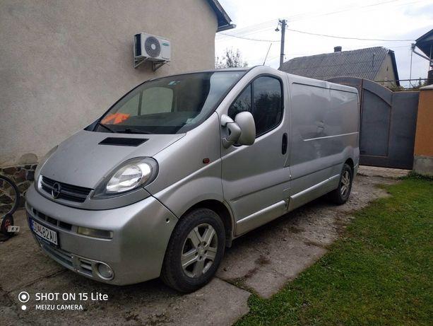 Opel Vivaro груз 2.5