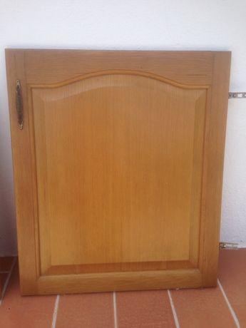 3 portas de armário