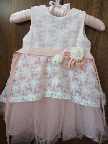 Очень нарядное платье на 2-2.5 года