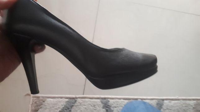 buty ze skóry naturalnej rozmiar 37
