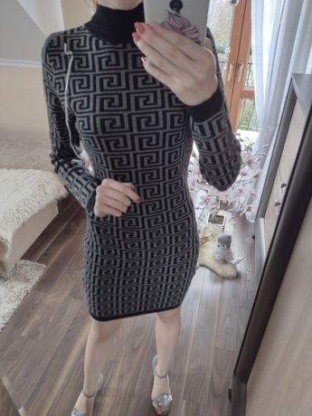 Obłędna sukienka sweterkowa we wzory półgolfik