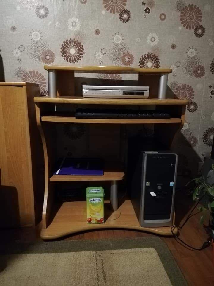 Szafa, biurko, 2 szafki i szafka z lustrem
